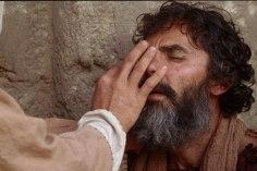 80_jesus-heals-a-man-born-blind_1800x1200_72dpi_2