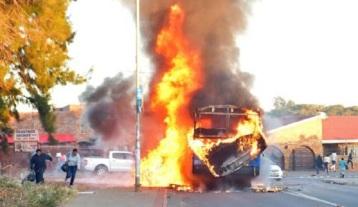 TshwaneUnrest-townships-ablaze-over-Didiza